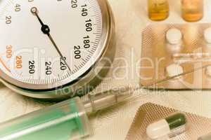 High blood pressure - hypertensive crisis and medications to tre