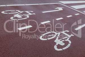 Straßenmarkierung Fahrradweg