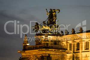 Panther-Quadriga auf der Semperoper in Dresden