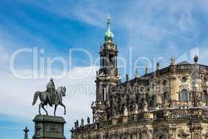 Reiterstandbild und Katholische Hofkirche in Dresden