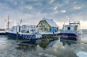 Hafen in Born im Winter