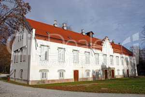 Novi Dvori Castle