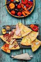 La carte pizza on cutting board