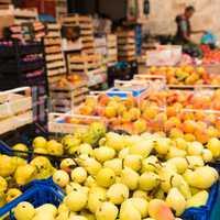 Weekly market Tuscany - appel
