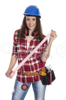 Weiblicher Handwerker mit  Rolle Klebeband