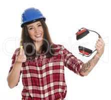 Fröhlicher Handwerker mit Lärmschutz