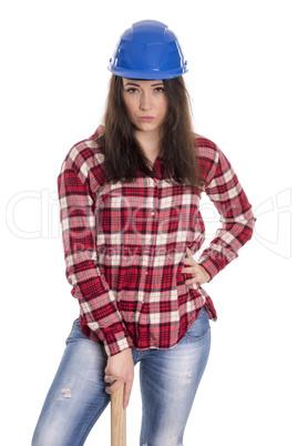 Weiblicher Handwerker mit Schutzhelm und Hammer