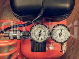 Vintage looking Air compressor manometer
