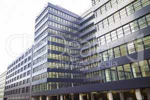 Abstrakte Fassade eines modernen Wohngebäudes in Hamburg, Deuts