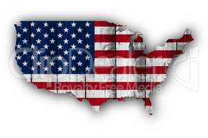 Karte und Fahne der USA auf verwittertem Holz