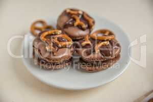 Schokoladen Macarons mit fleur de sal
