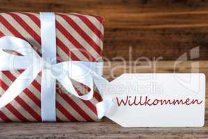 Present With Label, Willkommen Means Welcome