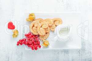 Heart-shaped biscuits wiith sugar and cinnamon