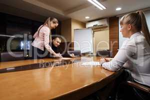 Business people taking deal at office meeting room