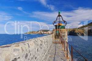 Leuchtturm in Collioure in Frankreich - Lighthouse in Collioure in France