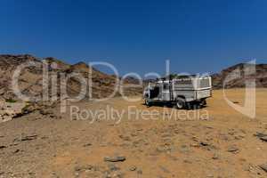 Geländewagen im Etosha-Nationalpark Namibia Südafrika