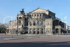 Semperoper in Dresden am Theaterplatz