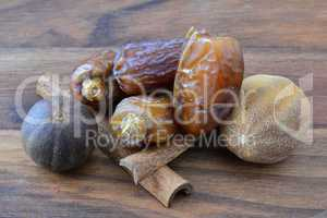 Dates, cinnamon and nutmeg
