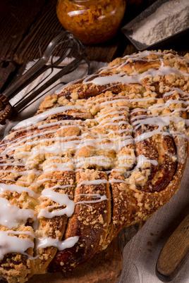 braided yeast bun with jam