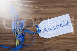 Sunny Srping Grape Hyacinth, Label, Auszeit Means Downtime