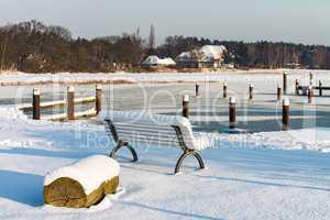Winter am Prerowstrom mit Schnee
