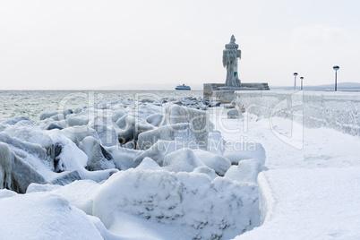 Winter an der Küste der Ostsee in Saßnitz