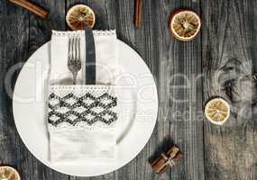 White dish with cutlery