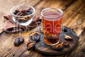 Prune drink, dried plums extract, fruits beverage