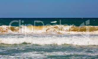 Ocean waves rolls ashore