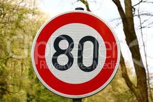 Verkehrsschild: Maximal Tempo 80