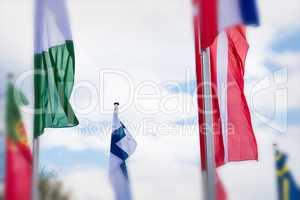 Europa Landesfahnen vor einem blauem Himmel