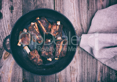 Pan-fried pork ribs, top view