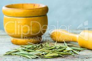 Olivenblättertee oder Olivenblatttee