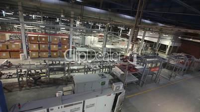 Production conveyor, conveyor line, conveyor belt, ceramic tile, kiln firin