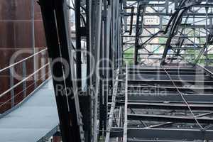 #395 Aufzug im Stahlwerk