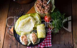 Prepare the stuffed cabbage rolls