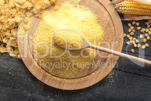 Corn flour and cereal flakes