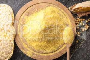 Puffed crispbread and corn flour