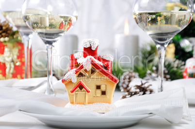 Souvenir in the form of a Christmas house