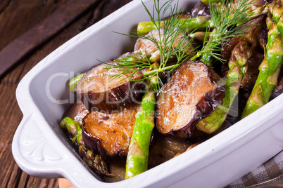 Eggplant casserole with green asparagus