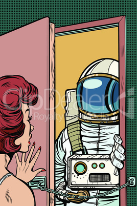 Astronaut came to visit a woman, the door was opened