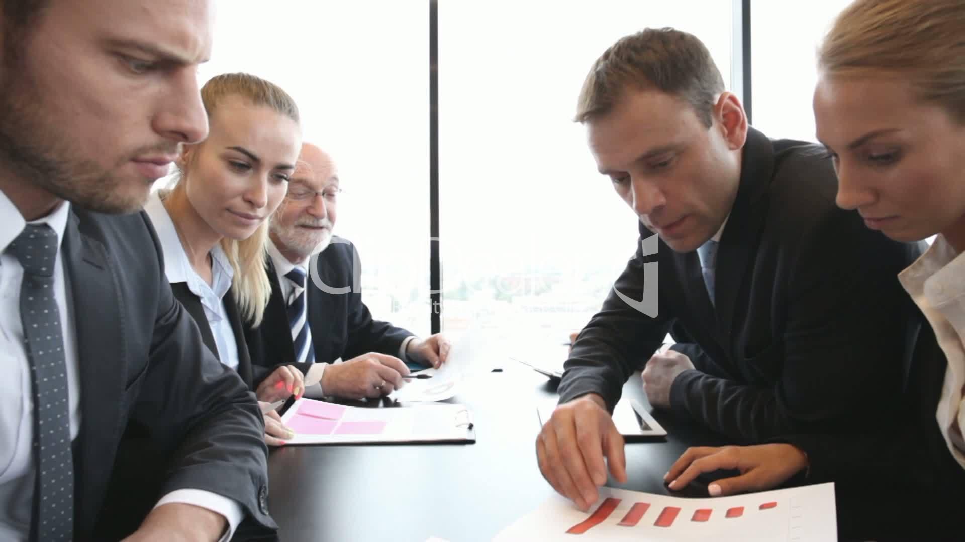 Business Meeting In Office Vídeos De Archivo Y Clips Libres