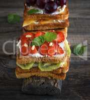 French toast from white bread with cottage cheese