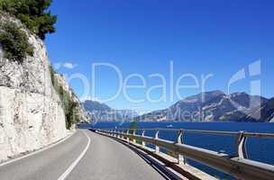 Straße am Gardasee in Italien