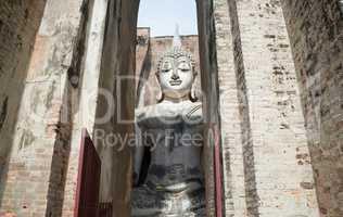 Sukhothai - Wat Sri Chum temple - buddha in chamber