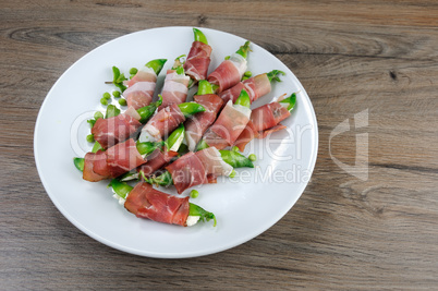 Snack of peas and ham