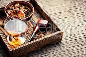 Tobacco pipe and whiskey