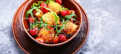 Salad with strawberry and fried cheese