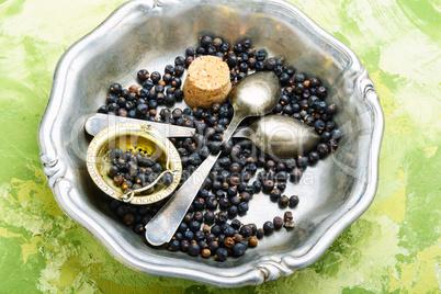 Pile of dry juniper berries
