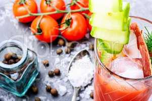 Tomato juice and fresh tomatoes